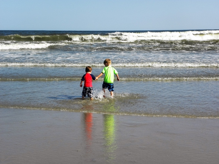 Boys_Walking_to_Ocean